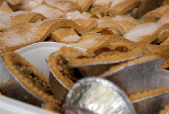 mince pies and apple tart